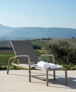 Chaise longue d'extérieur en alumimium. Vente en ligne de meubles de jardin haut de gamme design avec livraison gratuite. Meubles pour terrasses et balcons